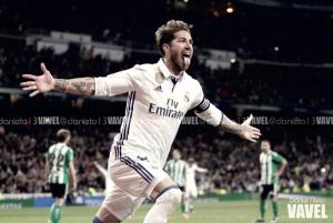 El Madrid lleva 8 jornadas seguidas marcando de cabeza en el Bernabéu