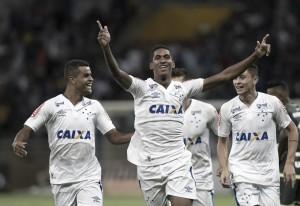 Diretor de futebol do Cruzeiro, Marcelo Djian nega proposta do Grêmio por Raniel