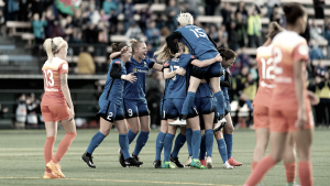 Seattle Reign FC rout the Houston Dash in a 5-1 win