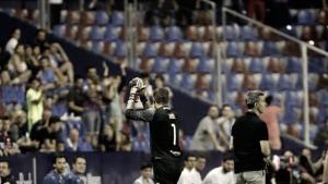 El SD Huesca asalta el Ciutat y entra en playoff