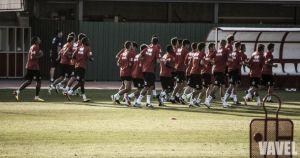 El Rayo Vallecano se enfrenta al filial en el entrenamiento