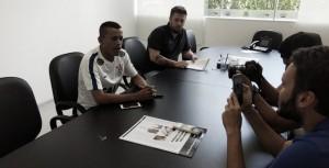 Reforço desde 2016, atacante Luidy finalmente assina com Corinthians