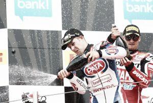 Jonathan Rea, nuevo líder de Superbikes