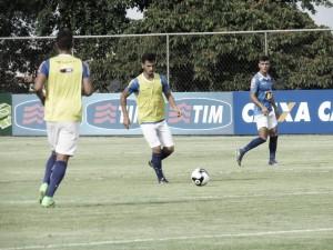 Com Sanchez Miño e Dedé entre os titulares, Deivid arma Cruzeiro para enfrentar Tupi