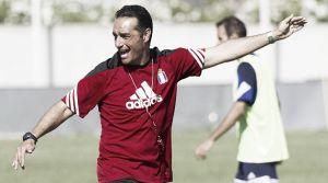 """Jose Luis Oltra: """"Nunca voy a decir que hemos perdido por las bajas"""""""
