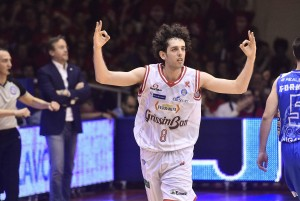 Basket, Serie A Beko: Reggio Emilia si qualifica alle semifinali eliminando Sassari
