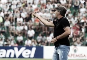 """Após vitória na serra, Renato relembra torcedor do Grêmio: """"Prometi que iríamos correr atrás"""""""