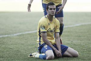A Juan Villar, jugador del Cádiz, le caen cuatro partidos de sanción