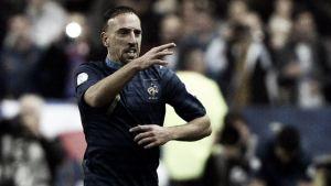 Benzema se redime pero Francia irá a la repesca