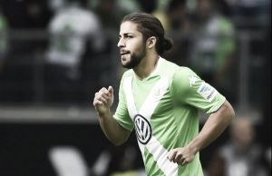 Report - Manchester United to make bid for Wolfsburg defender