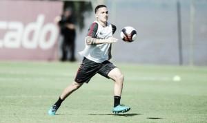 Afastado no Inter, meia venezuelano Seijas deseja ser utilizado por Odair Hellmann