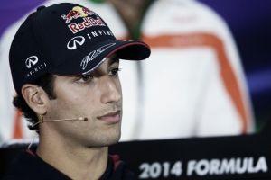 """Daniel Ricciardo: """"Están tratando de mantenernos a raya"""""""