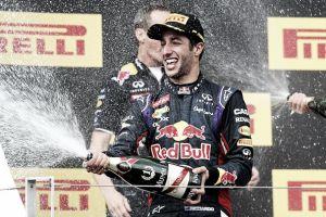 Daniel Ricciardo seca a los Mercedes en Hungría