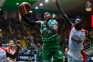 Legabasket: Avellino soffre, Reggio si arrende nel finale
