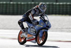 Álex Rins consigue una apretada victoria en el GP de San Marino