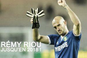 Riou renueva con el Nantes hasta Junio 2018