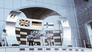 Rosberg triunfa y Alonso suma sus primeros puntos en Sochi