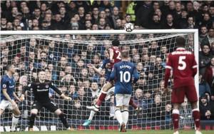 Liverpool e Everton não saem do zero em dérbi marcado por grande atuação dos goleiros