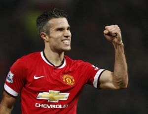 Robin van Persie hails fans as he scores fourth goal in four games to help United smash Liverpool