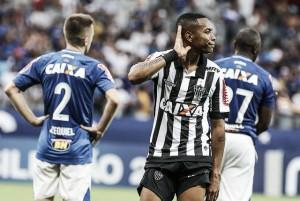 """Robinho valoriza segundo gol no clássico: """"Fábio é um grande goleiro, mas não dava para ele"""""""