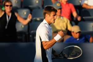 Un Robredo colosal salva la jornada para el tenis español