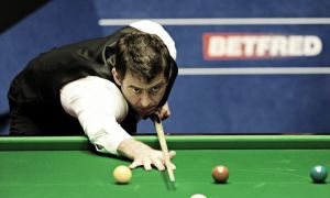O'Sullivan closes in on last eight