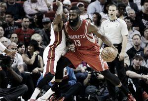 Resumen NBA: Houston se mantiene invicto, mientras Lakers y OKC se hunden irremisiblemente