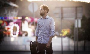 Passenger te canta su nuevo álbum a 'Susurros'