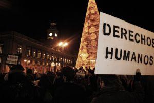 Graves disturbios tras un 'Rodea el Congreso' pacífico