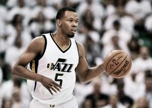 Utah Jazz y Rodney Hood negocian una extensión de contrato