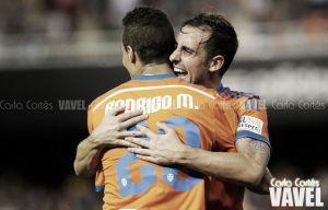Alcácer y Rodrigo refrendan la ilusión del Valencia