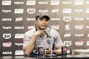Classificado na Libertadores, Roger mira bom desempenho no início do Brasileirão