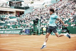 Federer arrolla a un timorato Chardy