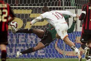 Milan - Roma: Kakà vs Totti