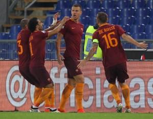 """Roma, le voci nel post gara contro l'Inter. Strootman: """"Una vittoria per tutti"""""""