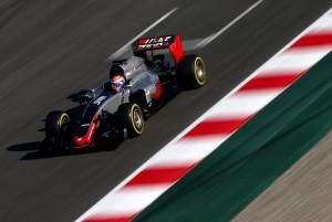 Haas se marca como objetivo terminar con los dos coches