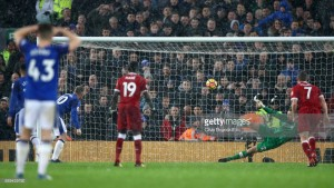 Liverpool 1-1 Everton: Rooney penalty leaves Reds rueing missed chances
