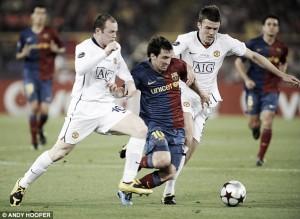 LionelMessi hailsManchester United captain Wayne Rooney