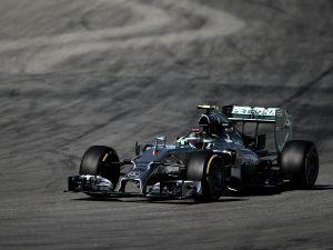 Mercedes comienza mandando también en Hockenheim