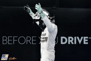 Nico Rosberg y Mercedes: la rutina habitual de 2014