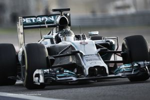 Nico Rosberg continúa manteniendo a raya a Lewis Hamilton en Brasil