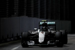 Rosberg domina los Libres 3, Hamilton falla