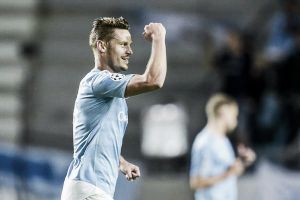 Malmo (4) 2-0 (3) Celtic: Malmo qualify for the Champions League group stages
