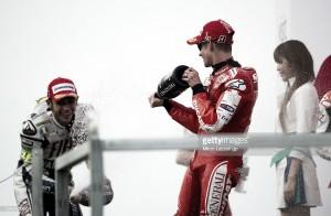 Casey Stoner también arremete contra Valentino Rossi
