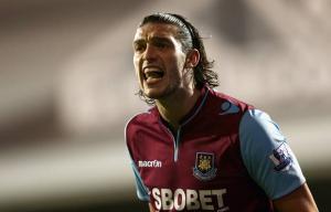 Andy Carroll à West Ham pour 6 années