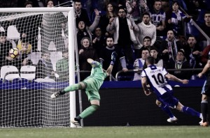 Deportivo La Coruña massacra Real Sociedad e respira no espanhol