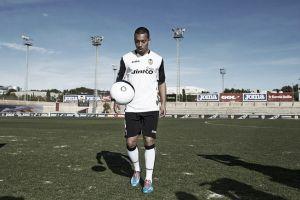 """Vezo: """"Mi objetivo es ganarme un hueco en el Valencia"""""""