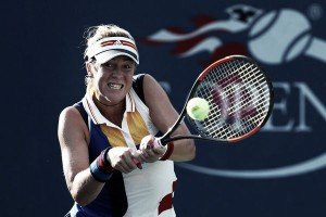 US Open: Daria Kasatkina, Elena Vesnina progress but Anastasia Pavlyuchenkova crashes to shock defeat