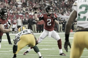 Mohamed Sanu catches last minute touchdown as Atlanta Falcons beat Green Bay Packers in offensive shootout