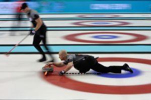 Le Canada écrit l'histoire en Curling (H)